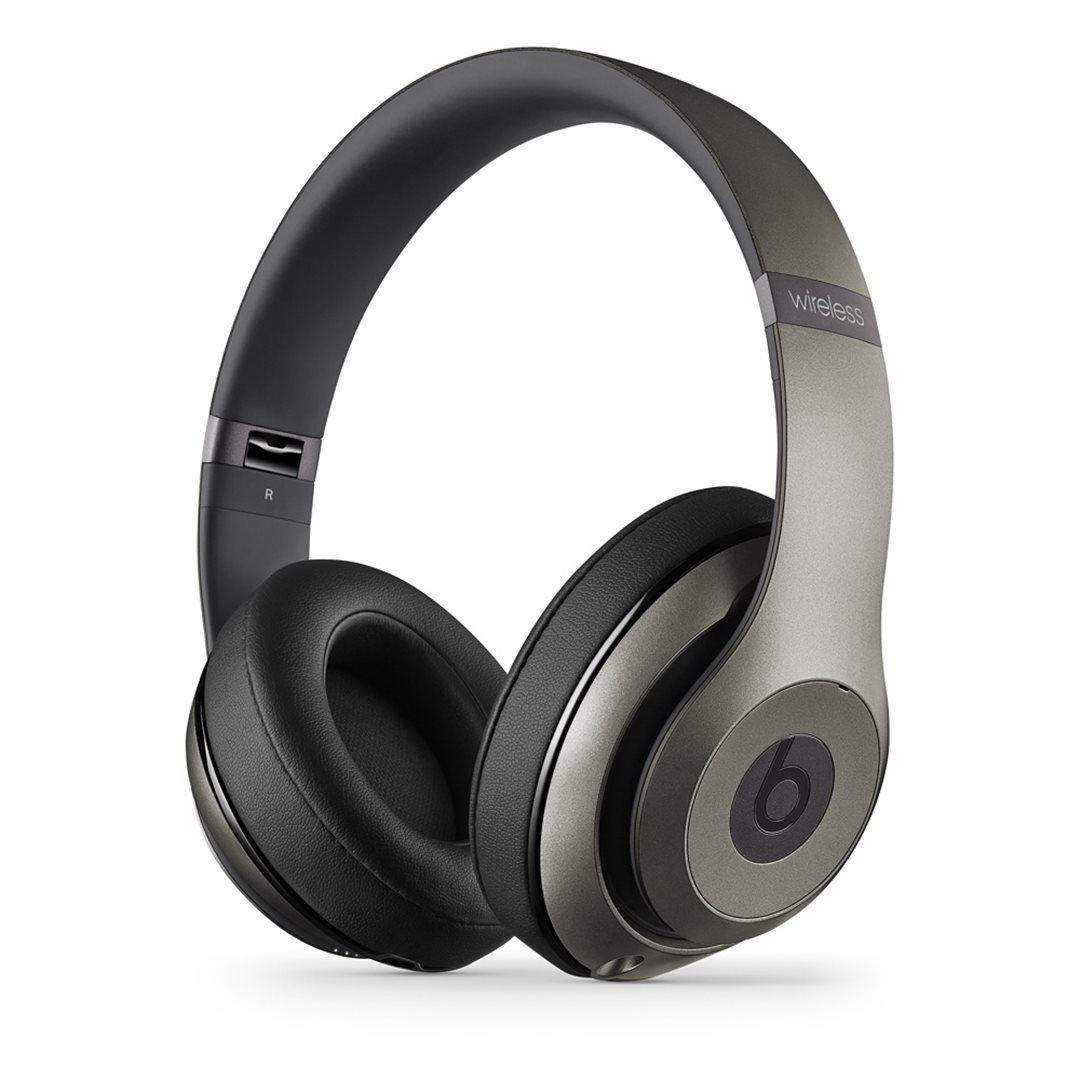 Apple Beats Studio Wireless by DR.Dre Over-Ear - Bluetooth Headset, Titanium