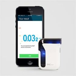 Alkohol Tester Professional BACtrack Mobile pre telefóny s iOS a Android